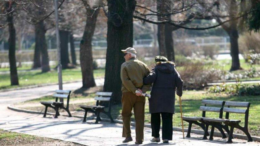 Ново 20: Ограничават движението на пенсионерите заради COVID-19