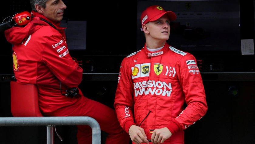 Синът на Шумахер гледа към Формула 1