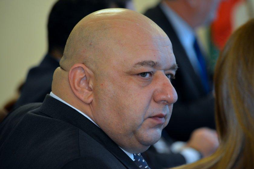 Кралев предупреди: УЕФА ни готви тесла, ако не спазваме мерките