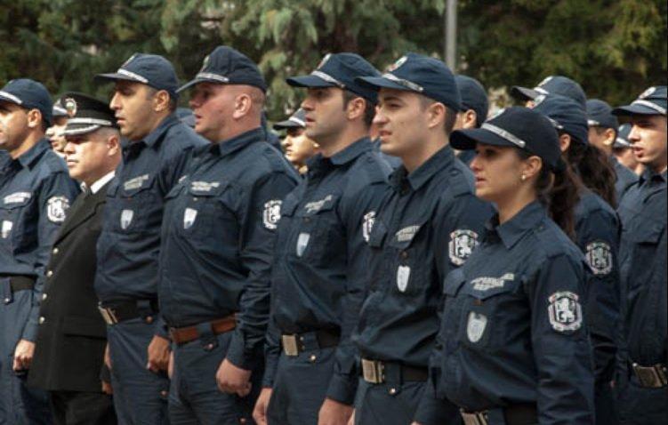 Учителка се гаври с бъдещите ченгета в Пазарджик