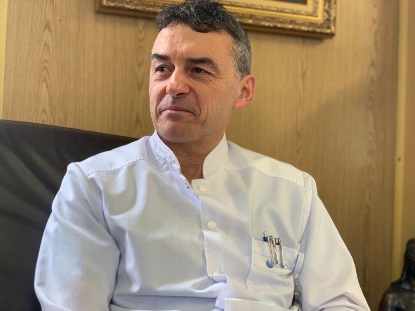 Топ кардиологът проф. Петров: Пийте йонизирана вода
