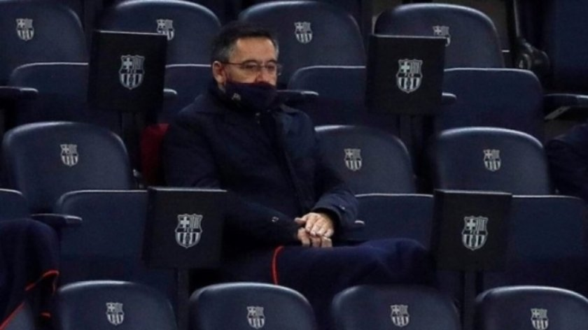 Президентът на Барселона е под карантина