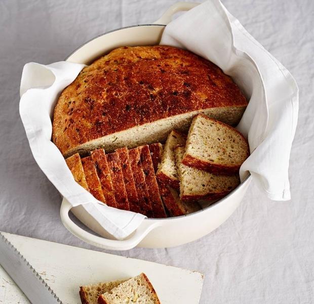 Пълнозърнест картофен хляб с тиквички