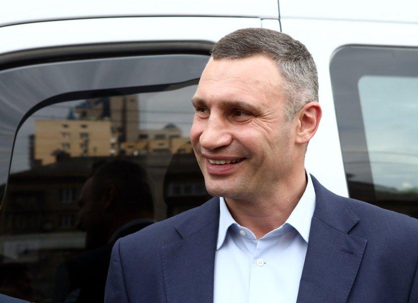Виталий Кличко води на кметските избори в Киев