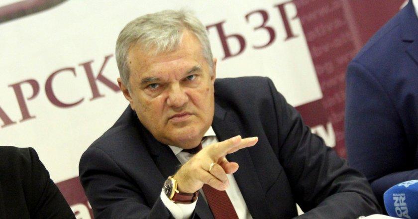 Румен Петков за здравния министър: Изрод!