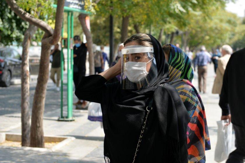 Иран отчете нов рекорд от 415 починали за денонощие