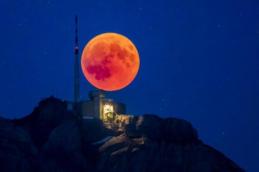 Водата на Луната е повече, отколкото се смяташе