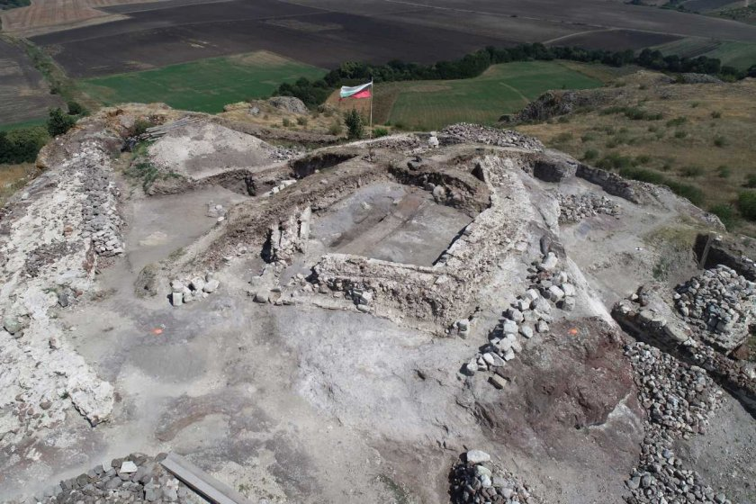 Уникална находка изскочи в крепостта Русокастро (СНИМКА)