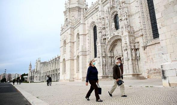 Португалия слага КПП-тата, а ние?