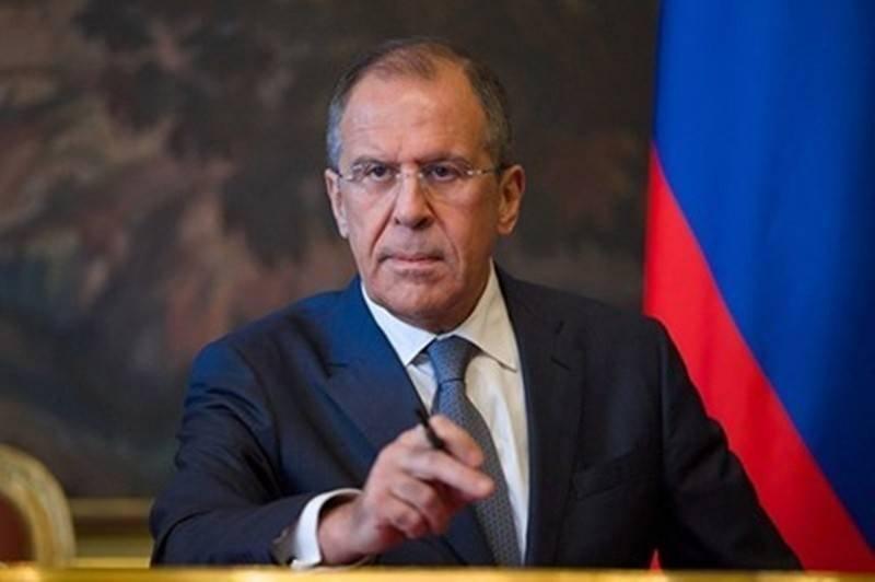 Лавров: Светът рискува да се потопи в киберхаос