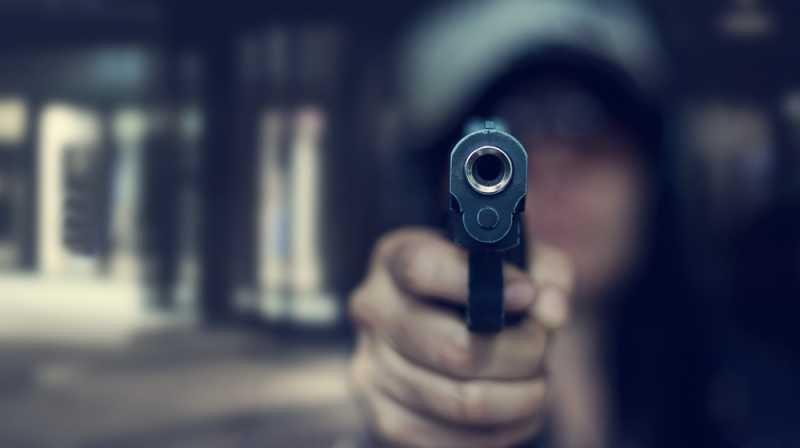 Неизвестни стреляха посред нощ по крими проявен