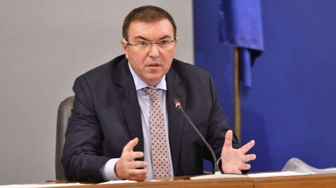 Министър Ангелов: След новите мерки излекуваните от COVID-19 са 12 070