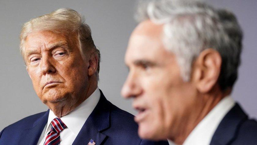 Съветникът на Тръмп по коронавируса хвърли оставка