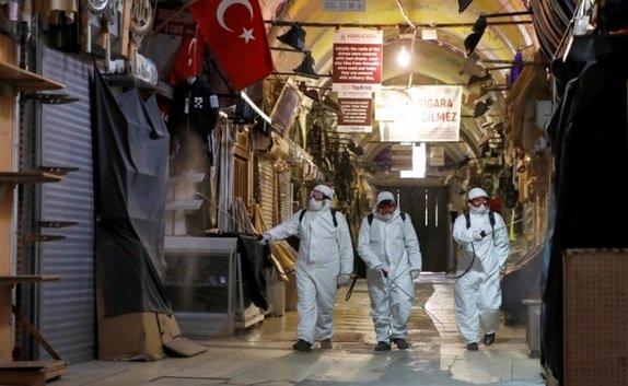 Турция с пореден рекорд по заразени, Гърция мина 2000 жертви