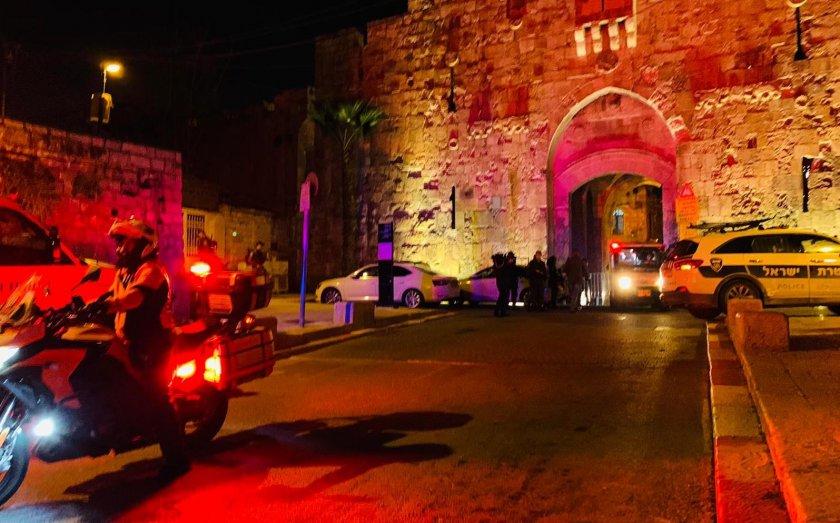 Терористична атака в Йерусалим, мъж стреля по полицаи в Стария град
