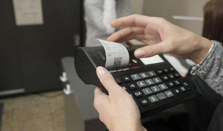 Електронни касови бележки изместват хартиените