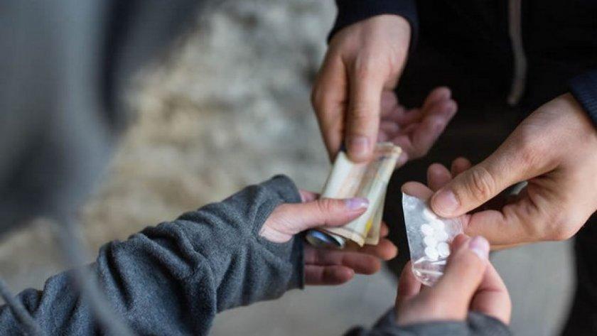 Дилърите от Раковски, хванати че стрелба по време на наркосделка, остават зад решетките
