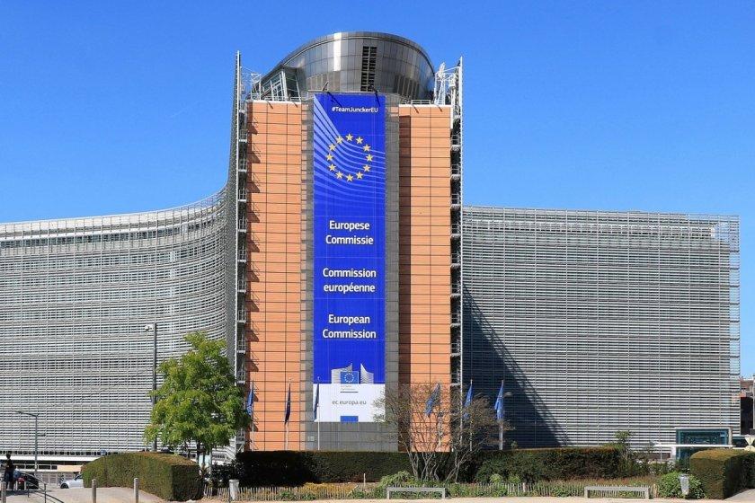 Еврокомисията иска 70% ваксинирани до лятото