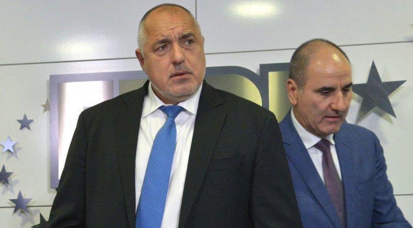 Цветанов към Борисов: Училища се правят за хората, а не заради фейсбук
