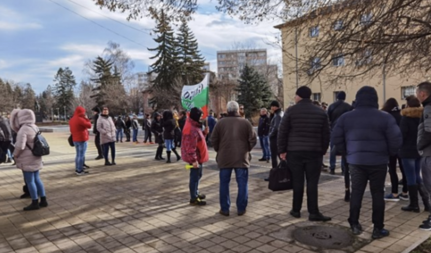 В Перник не искат пари, а отворени врати