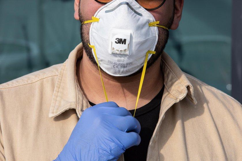СЗО каза кои маски спират новия вирус