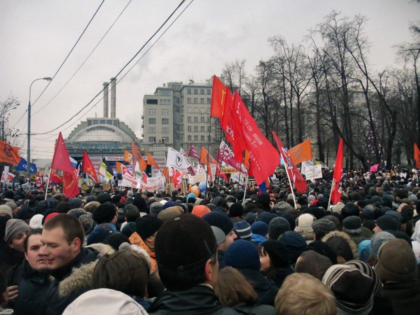 Забраняват на непълнолетните в Русия да протестират
