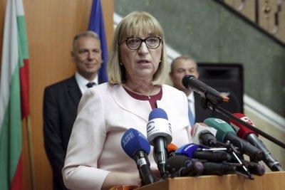 Само в Lupa.bg: Цецка Цачева била от 3 дни на антидепресанти