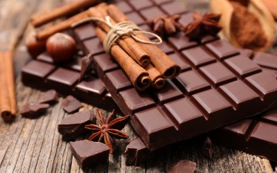 Бадемите, шоколадът и канелата регулират кръвната захар