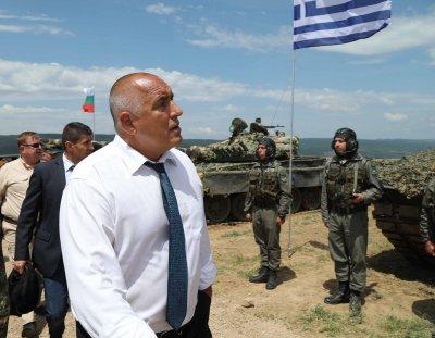 Ще пазим и Македония с новите F-16, защото не можели да завиват близо