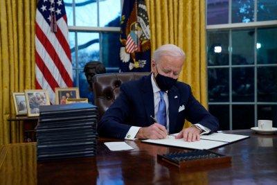 Байдън поиска от сръбския президент да признае Косово