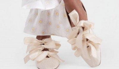 Странни, но модерни: Хитови обувки пролет-лято 2021