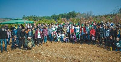 2000 фиданки засади екипът на Старозагорската опера