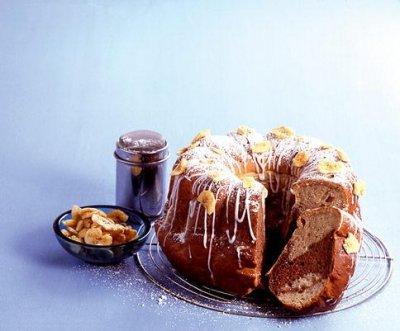 Бананов мраморен кейк с мая