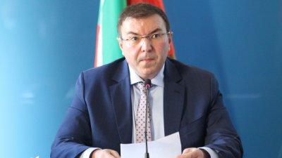 """Ангелов остро към """"АстраЗенека"""": Изпратете 52 000 дози още утре"""