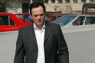 Търсят под дърво и камък екс шефа на македонското разузнаване