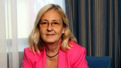 Проф. Мира Кожухарова: Първата ваксина е за цял живот