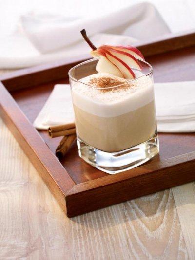 Плодов пунш с бадемово мляко