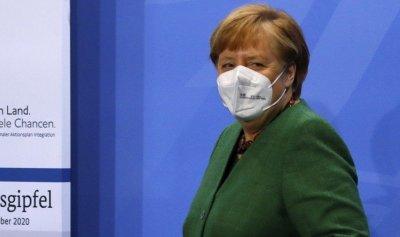 Меркел намеква за привилегии за ваксинираните