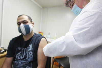 Седмицата: И коронавирусното ваксиниране като изборното маймунизиране
