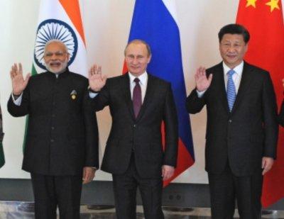 Китай, Индия и Русия получават власт чрез ваксините