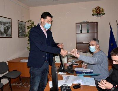 Тотев регистрира листата в Пловдив с водач Борисов