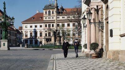 Чехия затяга още мерките, Унгария влиза в тежка фаза