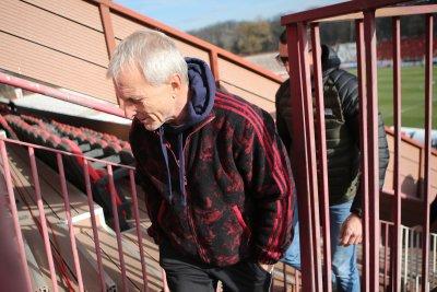 Ганчев развързва кесията - дава по 10 бона за бой в Разград