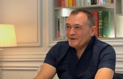 Васил Божков се изправя срещу Борисов и Нинова