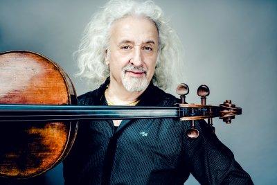 Миша Майски гостува на Софийската филхармония