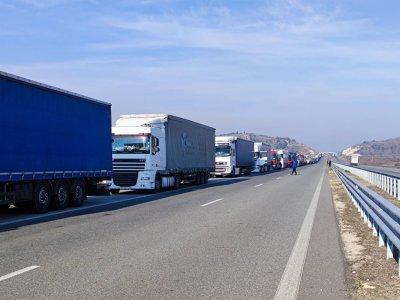 """Без антигенни тестове за шофьори на камиони на """"Кулата - Промахон"""""""