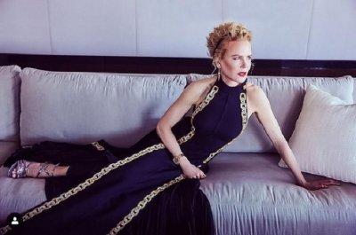 """Роклята на Никол Кидман за """"Златните глобуси"""" е бродирана 425 часа"""