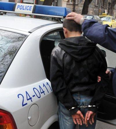 Затварят ученик за 2 г. за убийство