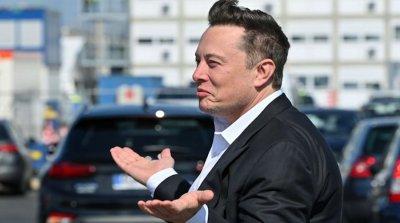 """Тесла"" счупи рекорд за срив на пазарите - олекна с $300 млрд. за месец"