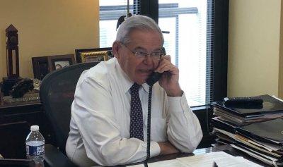 Присмял се Хърбел: US сенаторът, който ни оплю, обвинен в корупция и педофилия